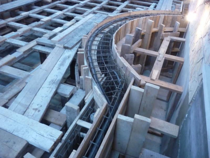 beltéri vasbeton medence építés